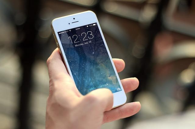 čas na mobilu.jpg