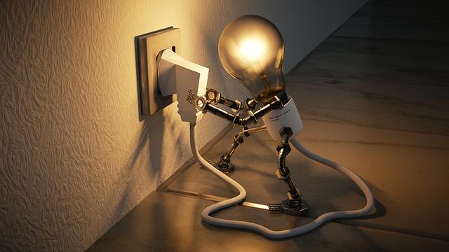žárovka u zdi